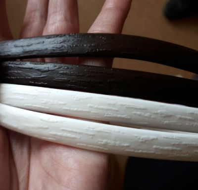 """Искусственный ротанг """"Полумесяц цвет венге 6-12 мм, тиснение кора дерева"""" для плетения мебели"""